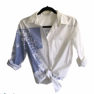 ARITZIA White Button Down Graphic Shirt (RARE) S